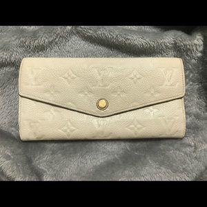Louis Vuitton White Curieuse Wallet